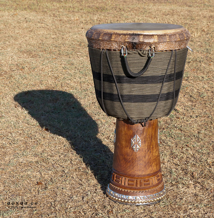 djembe drum aoxoa hand african